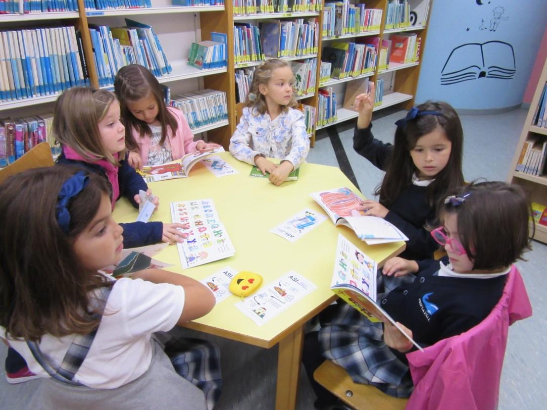 Primero Visita La Biblioteca Municipal